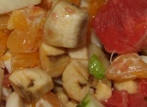 PA313356 300x219 Macedonia de frutas.